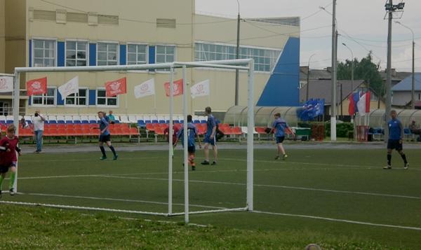 Семь футбольных команд боролись за звание лучшей в Шахунье