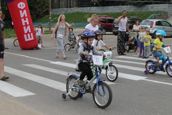 «Олимпийские надежды»: в Дальнеконстантиновском районе прошла велогонка среди дошколят