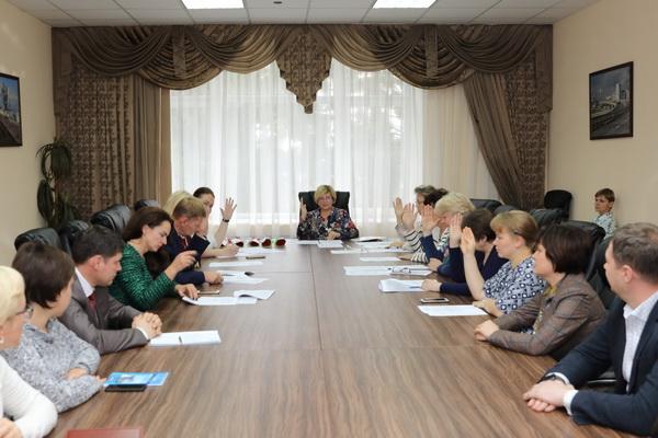 Городская избирательная комиссия зарегистрировала новых депутатов городской Думы