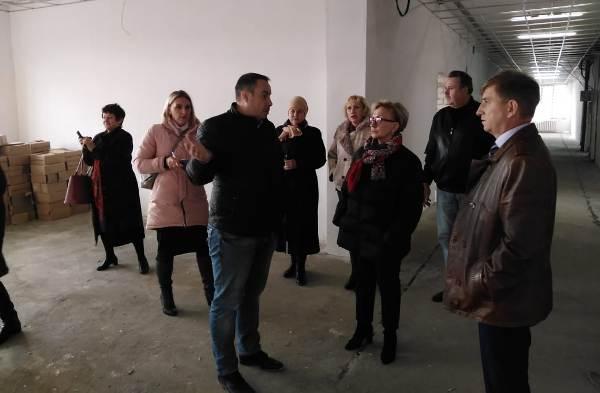 Наталья Назарова  ознакомилась с ходом капитального ремонта Вачской средней школы