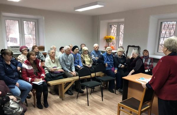 Партийцы обсудили с жителями Ленинского района  планы по благоустройству территорий в следующем году