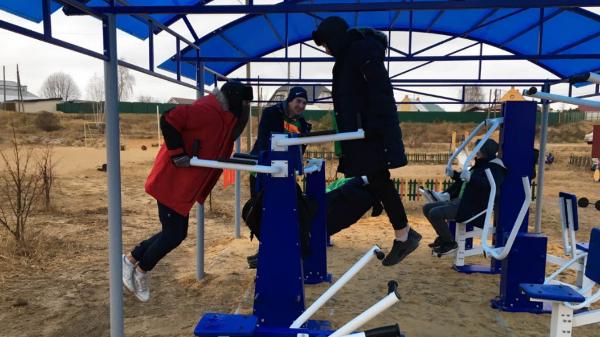 В Володарске при поддержке партийцев установили новый спортивный комплекс