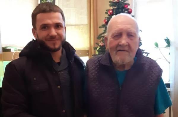 Дзержинские активисты навестили ветеранов и поздравили с Новым годом